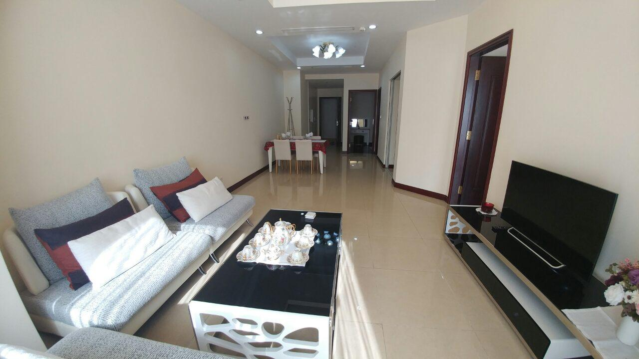 Beautiful 2 bedroom apartment for rent at R4, Royal City